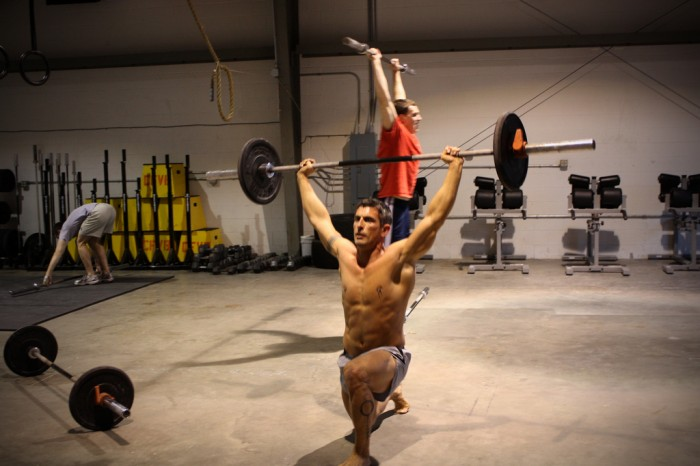 Hombre realizando un WOD de CrossFit
