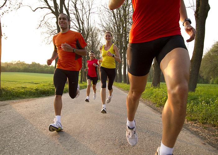 Gente corriendo