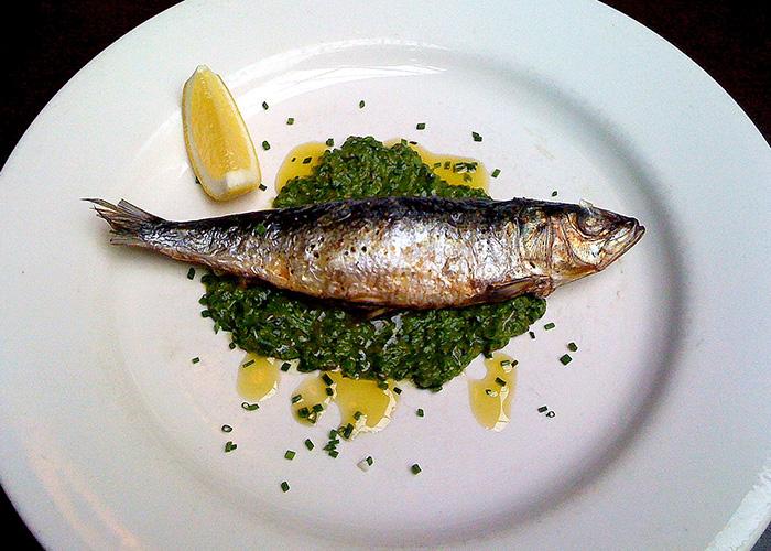 Comer sardina
