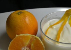 Naranja y yogur