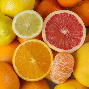 Varias frutas cítricas