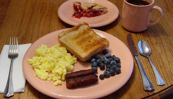 Desayuno acompañado de postre