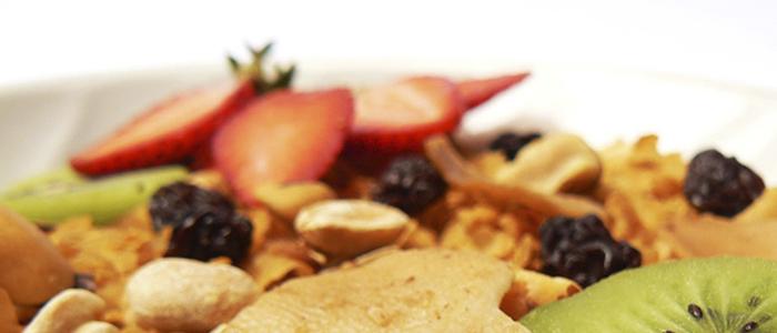 Frutas y cereales desayuno