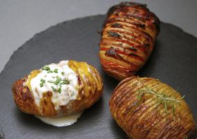 Patatas cocidas enteras