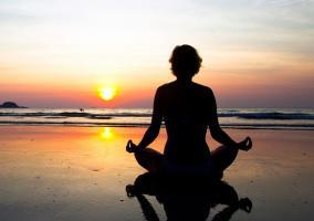 Meditación en la playa