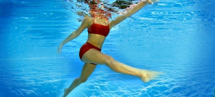 Ejercicios para bajar de peso bajo el agua