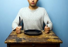 Hombre hambriento