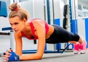 Ejercicios cuerpo convierte gimnasio