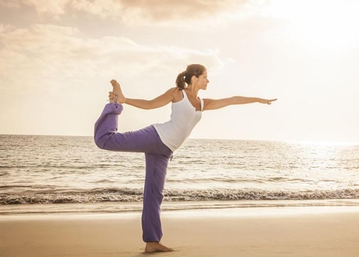Afronta un nuevo día con una sesión Yoga de 15 minutos