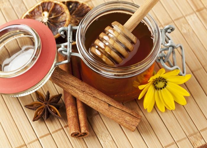 miel con canela para espinillas