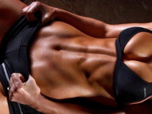 Los 5 mejores ejercicios para trabajar los abdominales