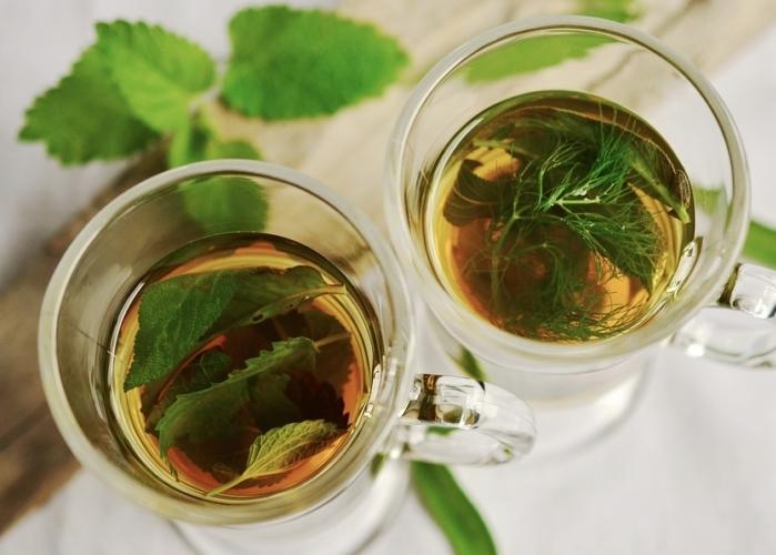 Té de hierbas aromáticas