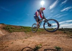 Ciclista todo terreno