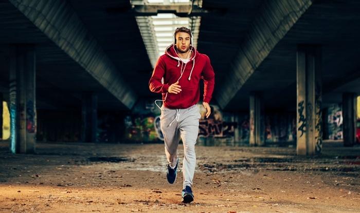 Corredor entrenando sprint en Tabata