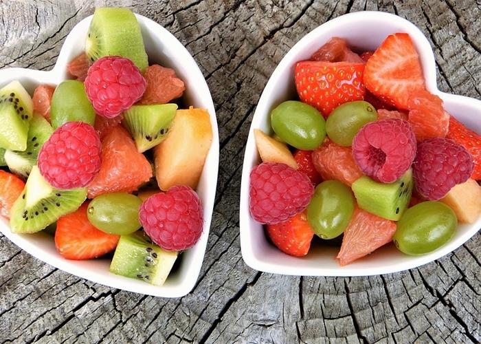Cenar fruta por la noche adelgaza
