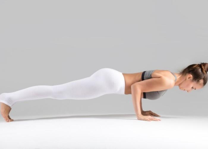 Mujer posturas Yoga