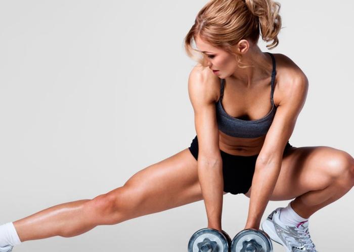 Mujer piernas fortalecidas
