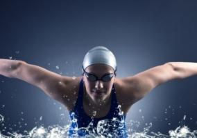 Persona nadando
