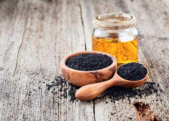 Comino negro y aceite