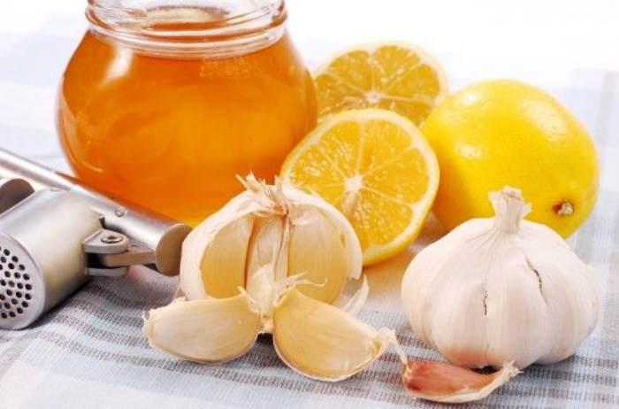 Ajo, miel, jengibre y limón