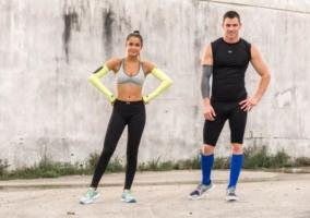 Hombre y mujer deportistas