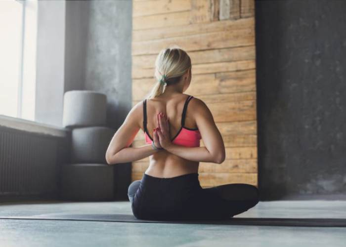 Mujer espalda recta