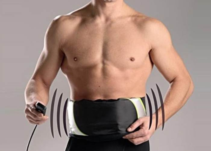 Hombre con cinturón vibrador