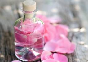 Frasco agua rosas