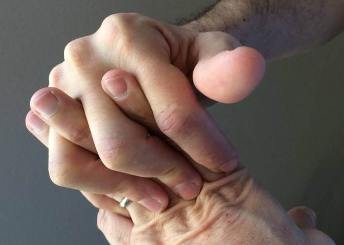 Tronar dedos
