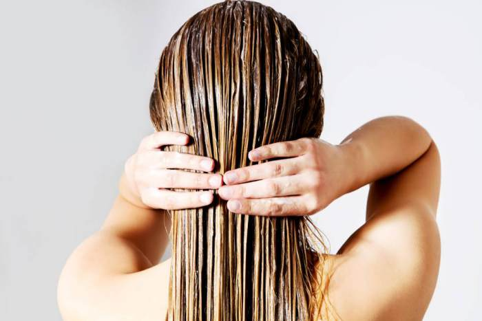 Mujer cabello mojado
