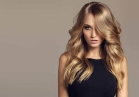 Mujer cabello saludable